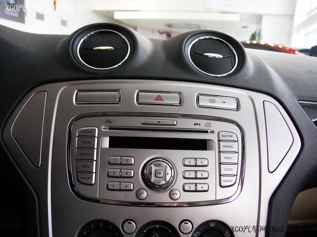 福特蒙迪欧中控台按钮图解